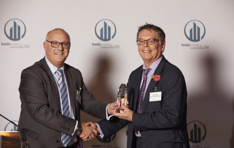 fundseurope_awards_2018_WINNER_CIO, Mark Mansley Brunel Pension Partnership.Presented by Sean Thompson, CAMRADATA
